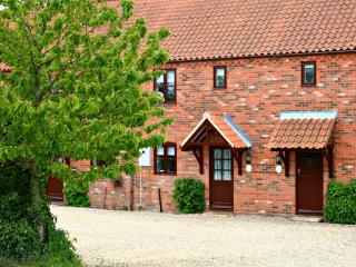2 bedroom Cottage with Washing Machine in Stalham - Stalham vacation rentals