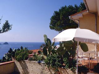 Lovely 1 bedroom Villa in Morcone - Morcone vacation rentals