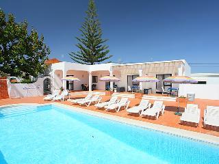 5 bedroom Villa in Altura, Algarve, Portugal : ref 2015237 - Altura vacation rentals