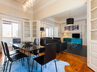 Turquoise House, Stylish Apartment, AC, Free WIFI - Lisbon vacation rentals