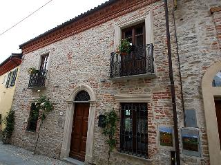 Comfortable 1 bedroom House in Bossolasco - Bossolasco vacation rentals
