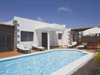 4 bedroom Villa in Playa Blanca, Canary Islands, Lanzarote, Canary Islands - Yaiza vacation rentals