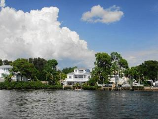 Sutherland Manor Home, 4 bedroom and 3 baths - Clearwater vacation rentals