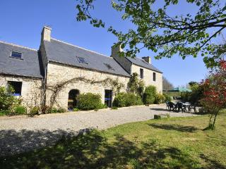 4 bedroom Villa in Plouneour Trez, Brittany  Northern, France : ref 2017846 - Brignogan-Plage vacation rentals