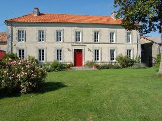 Villa in Brossac, Vendee, France - Brossac vacation rentals