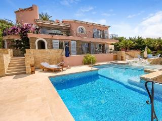 4 bedroom Villa in Cavaliere, Saint Tropez Var, France : ref 2017906 - Cavaliere vacation rentals