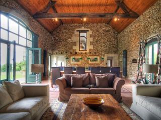 5 bedroom Villa in Le Mans / Tours, Loire, France : ref 2017943 - Dissay-sous-Courcillon vacation rentals