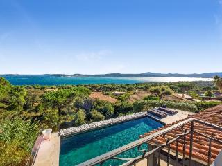 4 bedroom Villa in Saint Maxime, Saint Tropez Var, France : ref 2017939 - Saint-Maxime vacation rentals