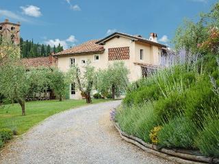 5 bedroom Villa in Camaiore, Tuscany, Italy : ref 2018033 - Montemagno Di Camaiore vacation rentals