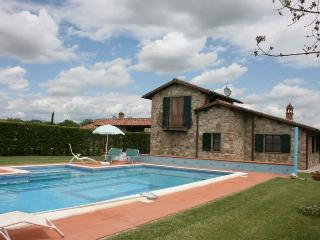 3 bedroom Villa in Castiglion del Lago, Umbria, Italy : ref 2020452 - Piana vacation rentals