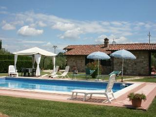 3 bedroom Villa in Castiglion del Lago, Umbria, Italy : ref 2020454 - Piana vacation rentals