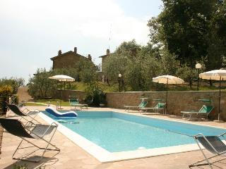 5 bedroom Villa in San Giustino Valdarno, Toscana, Italy : ref 2020521 - San Giustino Valdarno vacation rentals