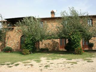 7 bedroom Villa in Torrita di Siena, Toscana, Italy : ref 2020529 - Montefollonico vacation rentals