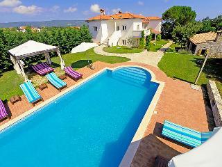 7 bedroom Villa in Pula Rakalj, Istria, Croatia : ref 2020760 - Rakalj vacation rentals