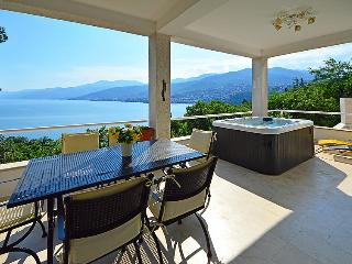 4 bedroom Villa in Opatija Preluka, Kvarner, Croatia : ref 2020804 - Matulji vacation rentals