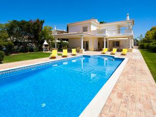 3 bedroom Villa in Alvor, Algarve, Portugal : ref 2022233 - Alvor vacation rentals