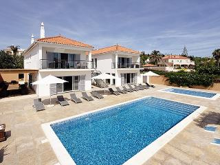 7 bedroom Villa in Almancil, Algarve, Portugal : ref 2022245 - Almancil vacation rentals