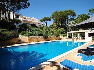 5 bedroom Villa in Quinta Do Lago, Algarve, Portugal : ref 2022276 - Quinta do Lago vacation rentals