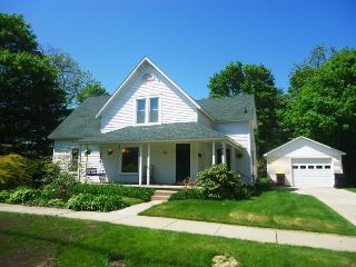 Lovely House with A/C and Parking - South Haven vacation rentals