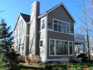 Bright 4 bedroom House in South Haven - South Haven vacation rentals