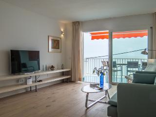 Modern art frontline apartment Ciudad Jardin - Palma de Mallorca vacation rentals