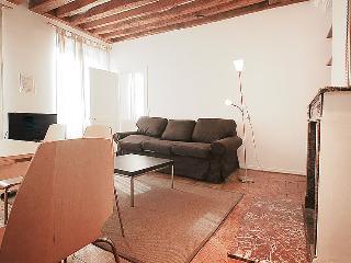 1 bedroom Apartment in Paris 2, Ile de France, France : ref 2023592 - 11th Arrondissement Popincourt vacation rentals