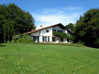 maison familiale avec piscine et tennis - Saint-Jean-de-Luz vacation rentals
