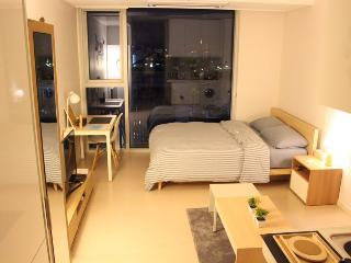 1 bedroom Condo with Internet Access in Seoul - Seoul vacation rentals