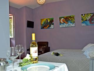 Cute Studio In Funchal Old Town - Funchal vacation rentals