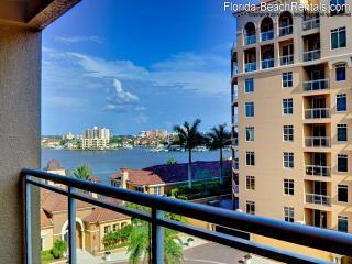 Belle Harbor Posh Pineapple 603M Bay view 2 bedroom 2 Bath - Clearwater Beach vacation rentals