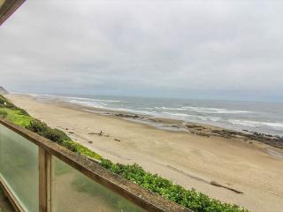Gorgeous Oceanfront Home Boasts Two Living Spaces - Lincoln City vacation rentals