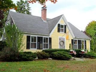 Adorable 3 bedroom West Falmouth House with Deck - West Falmouth vacation rentals