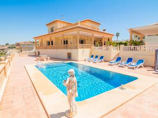 5 bedroom Villa in Calpe, Costa Blanca, Spain : ref 2031739 - Calpe vacation rentals