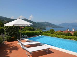 4 bedroom Villa with Balcony in Meina - Meina vacation rentals