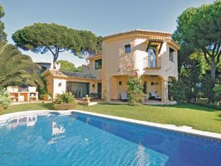 4 bedroom Villa in Puerto Cabopino, Andalusia, Costa Del Sol, Spain : ref 2037242 - Artola vacation rentals