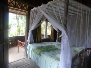 Beautiful Cottage with Dishwasher and Garden - Bukit Lawang vacation rentals