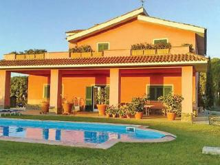 4 bedroom Villa in Tarquinia, Latium lazio, Latium Coast, Italy : ref 2037519 - Tarquinia vacation rentals