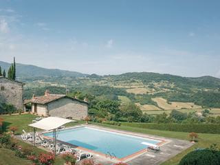 4 bedroom Villa in Dicomano, Tuscany, Florence, Italy : ref 2037594 - Dicomano vacation rentals