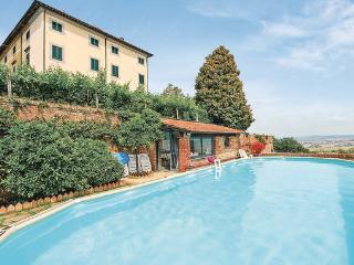 9 bedroom Villa in Castelfranco Di Sopra, Tuscany, Lucca, Italy : ref 2037749 - Castelfranco Di Sotto vacation rentals