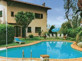 3 bedroom Villa in Malcesine, Northern Lakes, Lake Garda, Italy : ref 2038006 - Malcesine vacation rentals