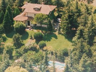 4 bedroom Villa in Solferino, Northern Lakes, Lake Garda, Italy : ref 2038156 - Solferino vacation rentals