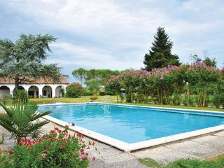 5 bedroom Apartment in Abano Terme, Veneto, Veneto Countryside, Italy : ref 2038387 - Abano Terme vacation rentals