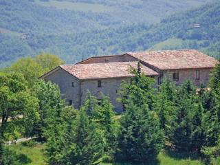 10 bedroom Villa in Apecchio, Marches, Marches Countryside, Italy : ref 2038401 - Apecchio vacation rentals