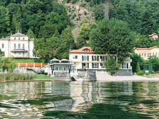 1 bedroom Apartment in Meina, Northern Lakes, Lake Maggiore, Italy : ref 2038764 - Meina vacation rentals