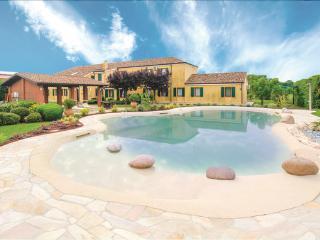 5 bedroom Villa in Ariano nel Polesine, Veneto, Veneto Countryside, Italy : ref - Ariano Nel Polesine vacation rentals