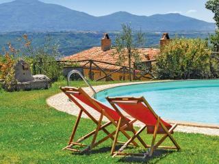 5 bedroom Villa in Lugnano In Teverina, Umbria, Spoleto, Italy : ref 2039436 - Lugnano in Teverina vacation rentals