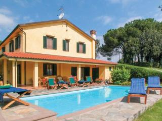 6 bedroom Villa in Cerreto Guidi, Tuscany, Florence, Italy : ref 2039576 - Cerreto Guidi vacation rentals