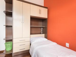 """Quarto Single - Classe """"C"""" - Porto Alegre vacation rentals"""