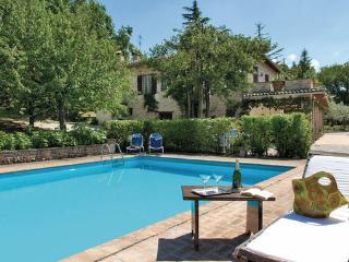 4 bedroom Villa in Montefalco, Umbria, Spoleto, Italy : ref 2039849 - Montefalco vacation rentals