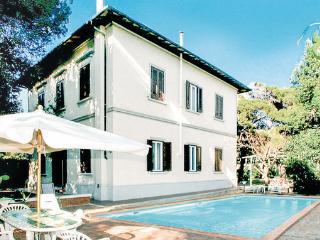5 bedroom Villa in Quercianella, Tuscany Coast, Etruscan Coast, Italy : ref 2040129 - Quercianella vacation rentals